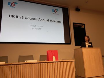 Veronika McKillop opens the meeting.